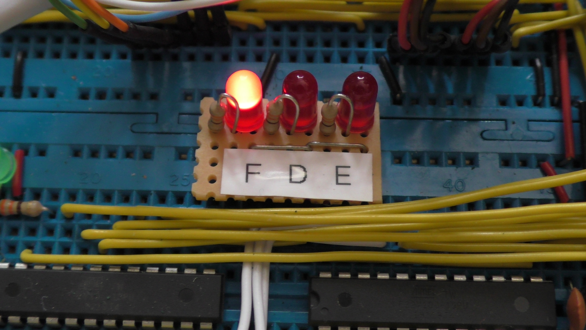 Led For 16 S Place Full Adder Circuit On Breadboard